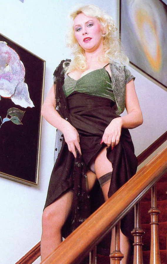 Linda Shaw gwiazda porno | Porno Online: http://www.pornoonline.com.pl/aktor/1689/Linda-Shaw