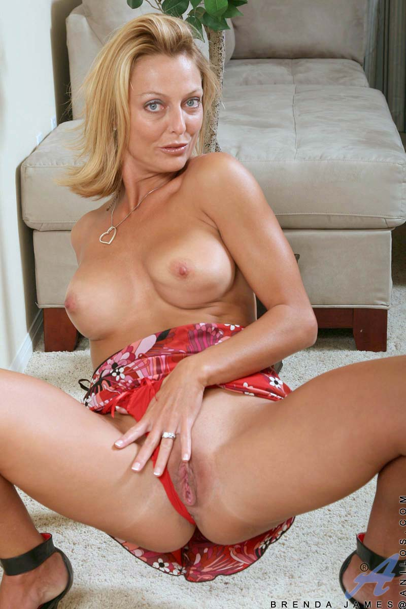 Hot milf charlee chase binds tickles sucks amp fucks a dude