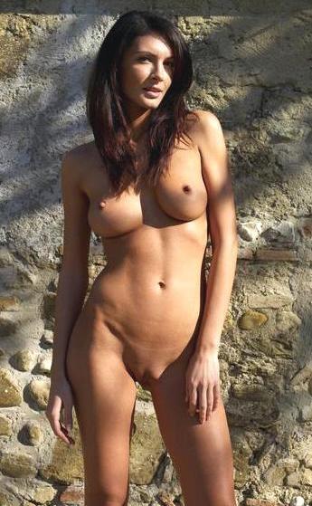 naked hot spanish girl